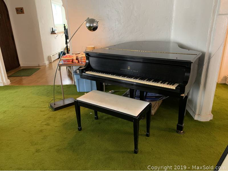Steinway And Sons Baby Grand Piano C