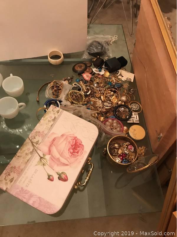 Costume Jewelry, Jewelry Box And Case